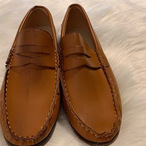 Shoes - Size 7 tan penny loafers NWOT